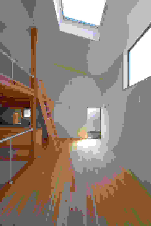 Moderne Esszimmer von (有)菰田建築設計事務所 Modern