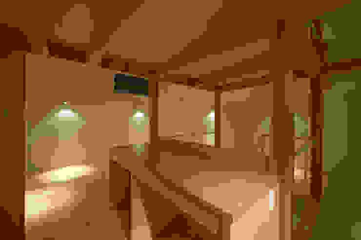 Modern kitchen by (有)菰田建築設計事務所 Modern