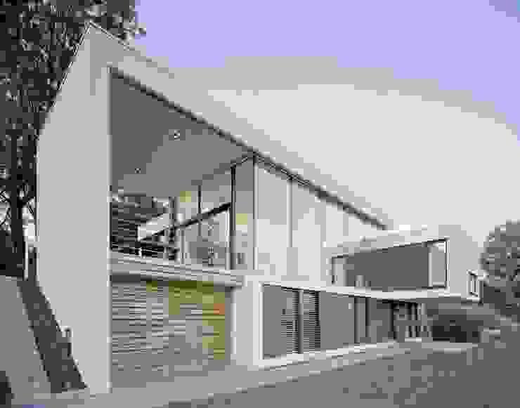 Casas estilo moderno: ideas, arquitectura e imágenes de Schiller Architektur BDA Moderno
