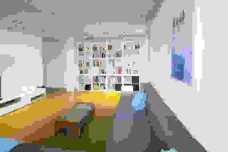 Living room by Schiller Architektur BDA, Minimalist