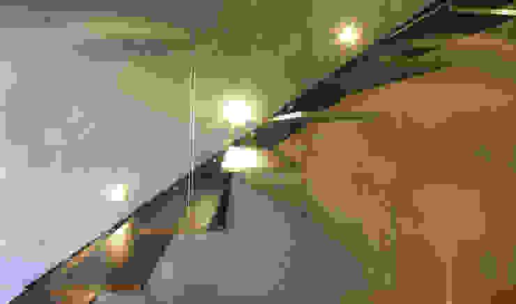 Corridor & hallway by Schiller Architektur BDA, Minimalist