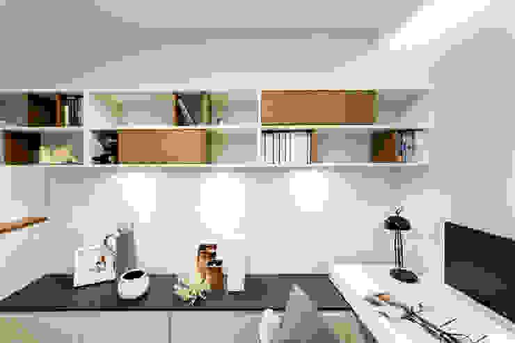 Mieszkanie – Warszawa – 45 m2 Nowoczesny salon od Mprojekt Nowoczesny