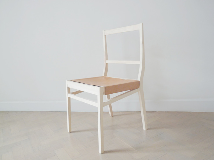 wooden chair van Charlotte Jonckheer Scandinavisch