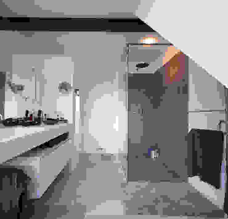 Nowoczesna łazienka od Gerstner Kaluza Architektur GmbH Nowoczesny