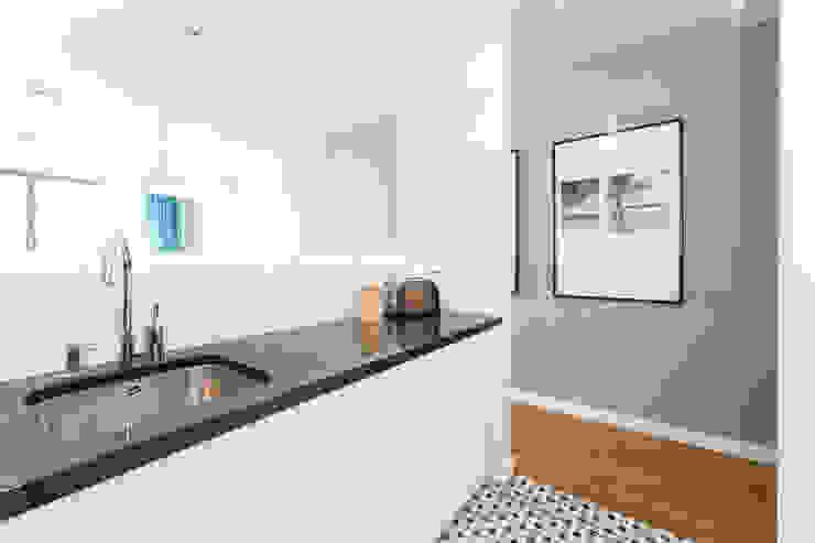 Mieszkanie – Warszawa – 85 m2 Nowoczesna kuchnia od Mprojekt Nowoczesny