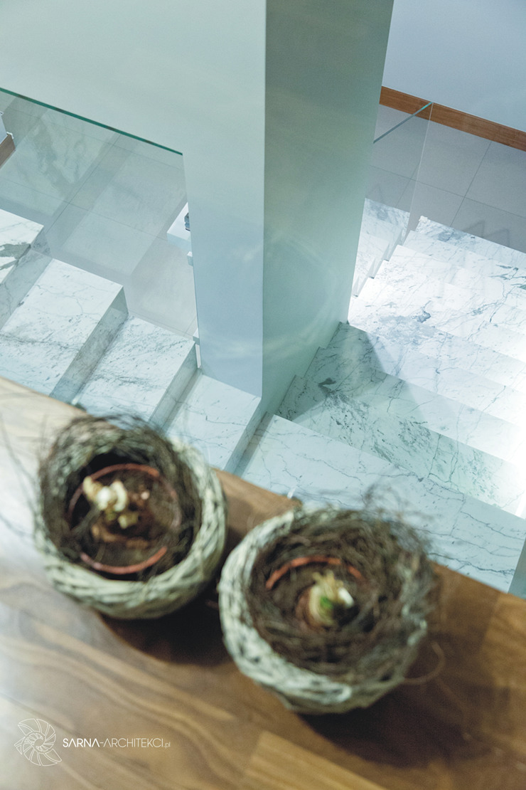 SARNA ARCHITECTS Interior Design Studio Pasillos, vestíbulos y escaleras de estilo moderno