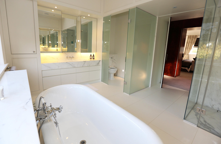 Drummonds Case Study: Tudor House, Roehampton: modern  by Drummonds Bathrooms, Modern