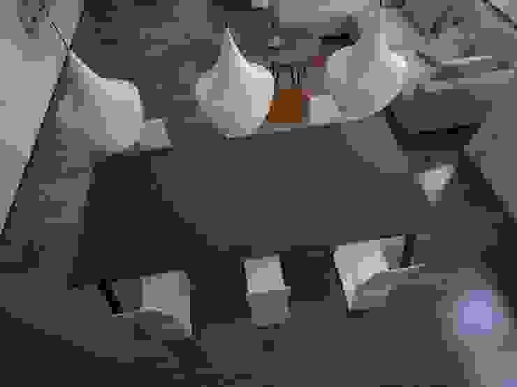 DuPont™ Corian® crea nuevos colores grises basados en su innovadora DeepColour™ Technology* Cocinas de estilo moderno de DuPont™ Corian® Moderno