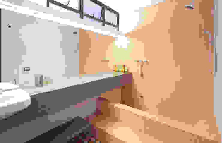Modern bathroom by Zemel+ ARQUITETOS Modern