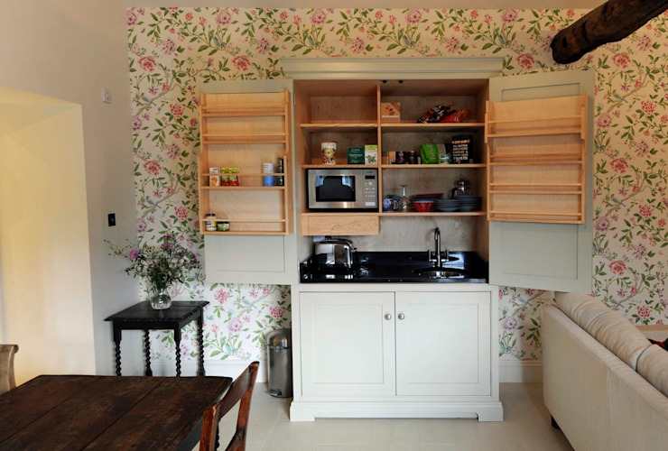 Kitchen in a box! Dapur Minimalis Oleh Hallwood Furniture Minimalis