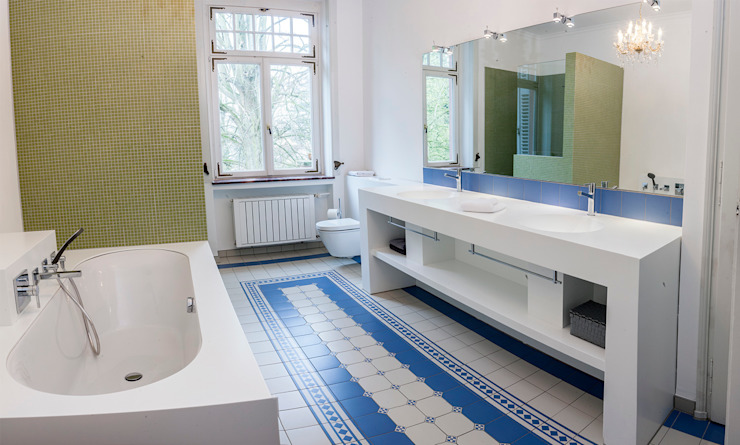 Classic style bathroom by Pfeiffer GmbH & Co. KG Classic