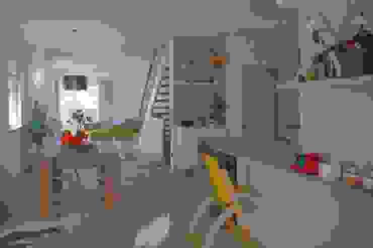 Casa Rialti, un mix tra innovazione e tradizione STP srl Sala da pranzo moderna