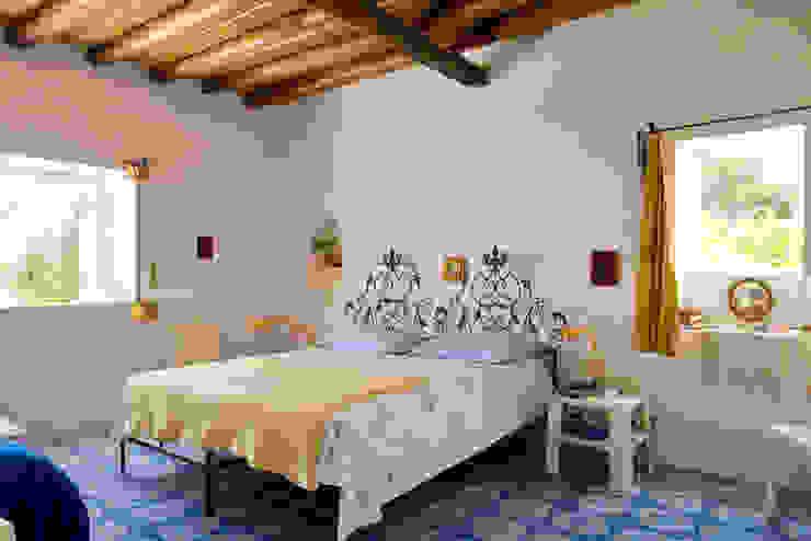 Casa Menne, Panarea, Aeolian Islands, Sicily Quartos mediterrâneos por Adam Butler Photography Mediterrâneo
