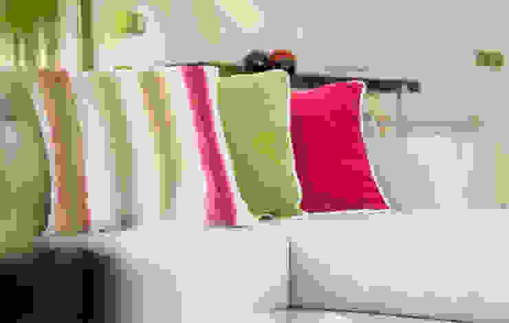 Sala Estar - Encosta do Douro Ângela Pinheiro Home Design Salas de estar ecléticas
