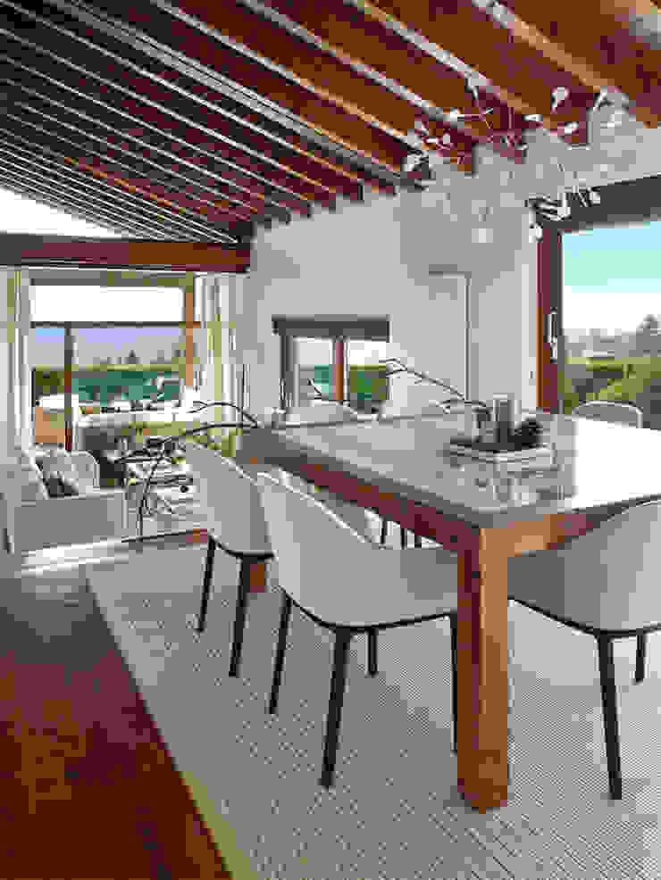 Rustic style dining room by Deu i Deu Rustic
