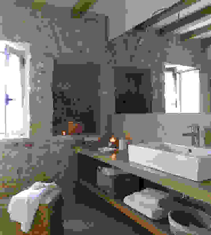 Casa Porto Saler. Formentera. 2000 Baños de estilo rústico de Deu i Deu Rústico