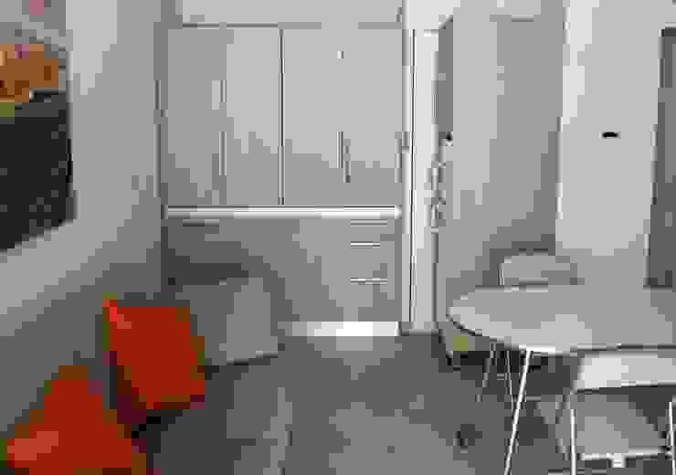 Monoblocco cucina da cm.170 con ante a libro - appartamento al mare di MiniCucine.com Minimalista