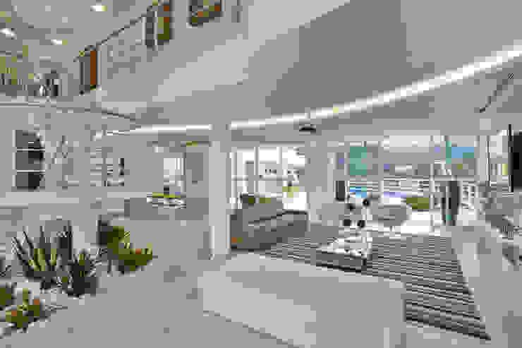 Casa da Serra Salas de estar modernas por Arquiteto Aquiles Nícolas Kílaris Moderno