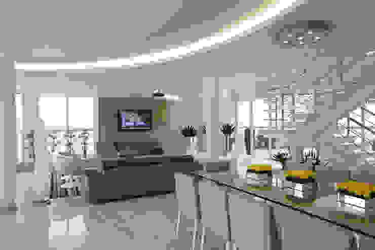 Comedores modernos de Arquiteto Aquiles Nícolas Kílaris Moderno