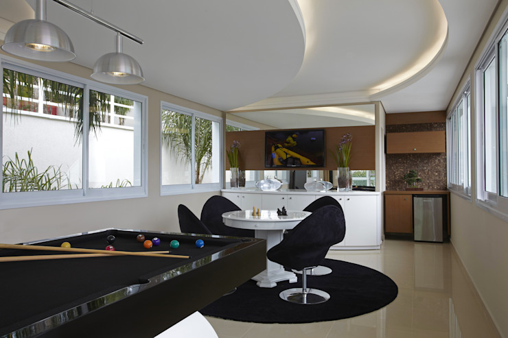 Ruang Multimedia oleh Arquiteto Aquiles Nícolas Kílaris, Modern