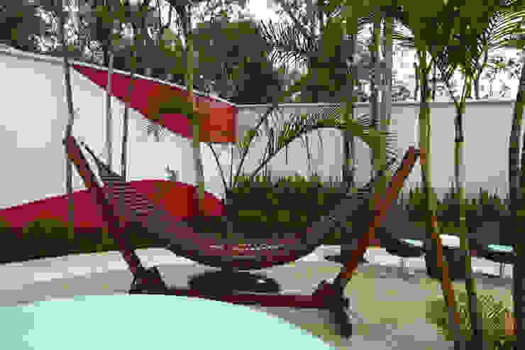 Vườn phong cách hiện đại bởi Arquiteto Aquiles Nícolas Kílaris Hiện đại