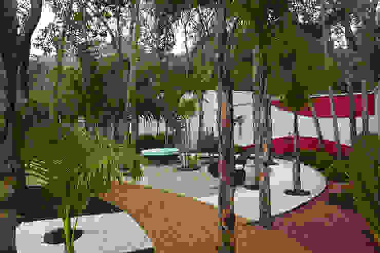 Casa da Serra Jardins modernos por Arquiteto Aquiles Nícolas Kílaris Moderno
