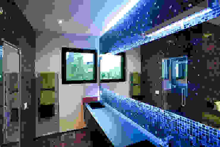 Casa de banho  por Studio Farina Zerozero - Foto & Video,