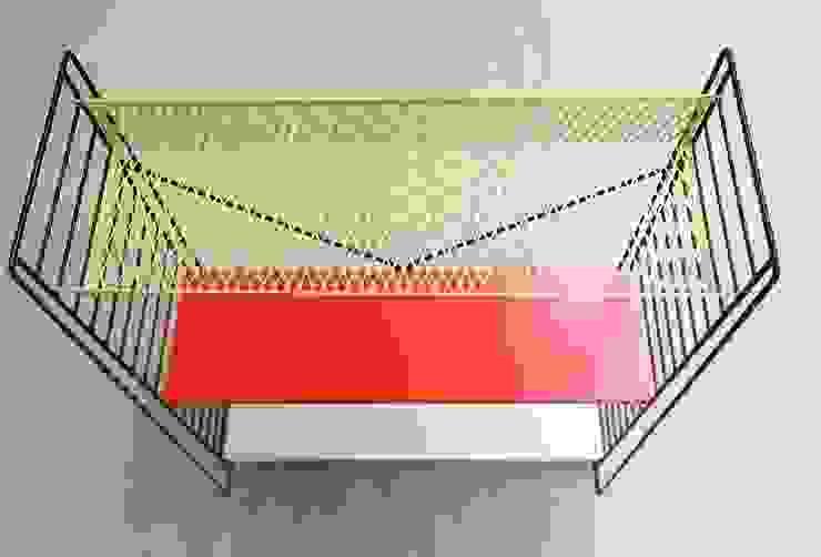 Tomado Floor Standing Shelves de Diagonal Furniture Ecléctico