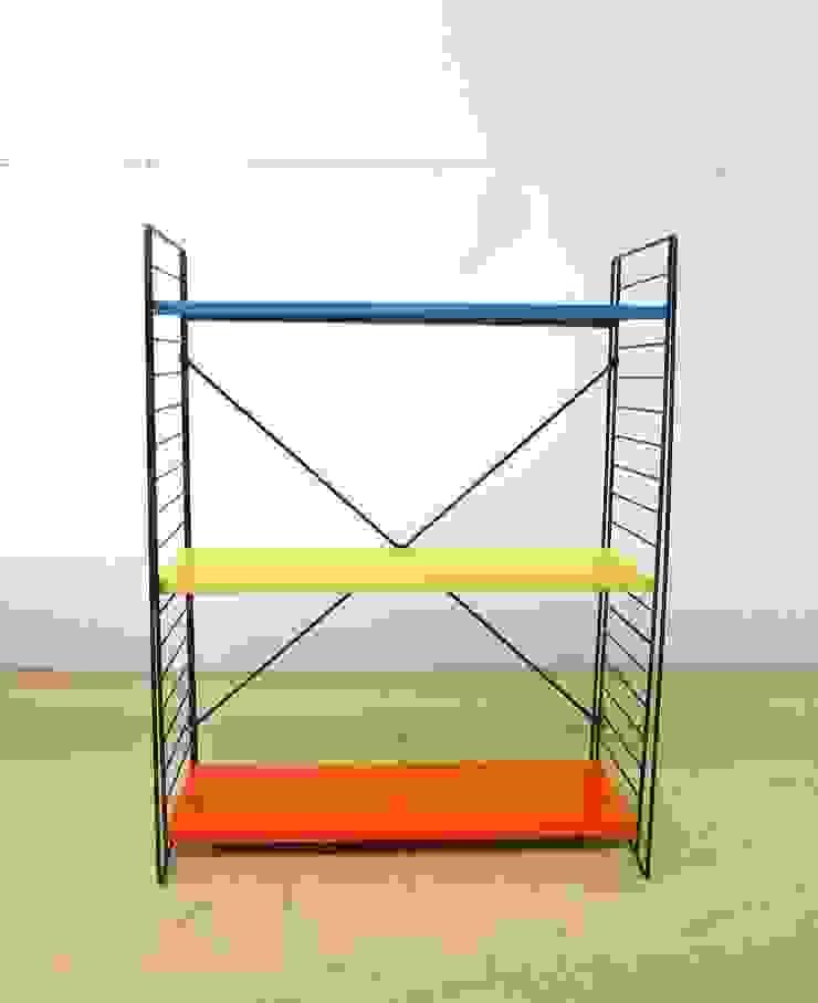 Tomado Floor Standing Shelves de Diagonal Furniture Moderno