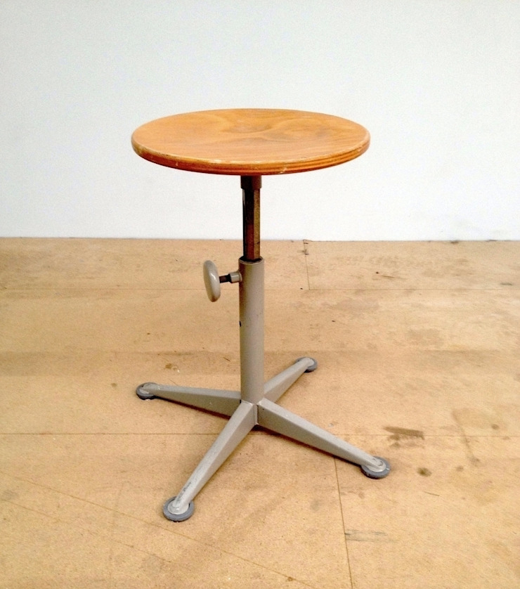 "Friso Kramer ""Doe Meer"" Swivel Stool od Diagonal Furniture Industrialny"