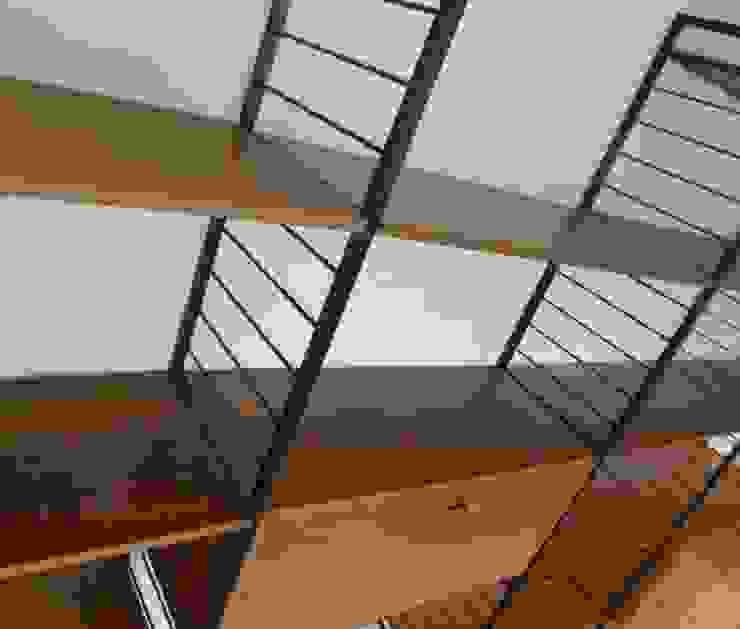 Ladderax Shelving de Diagonal Furniture Ecléctico