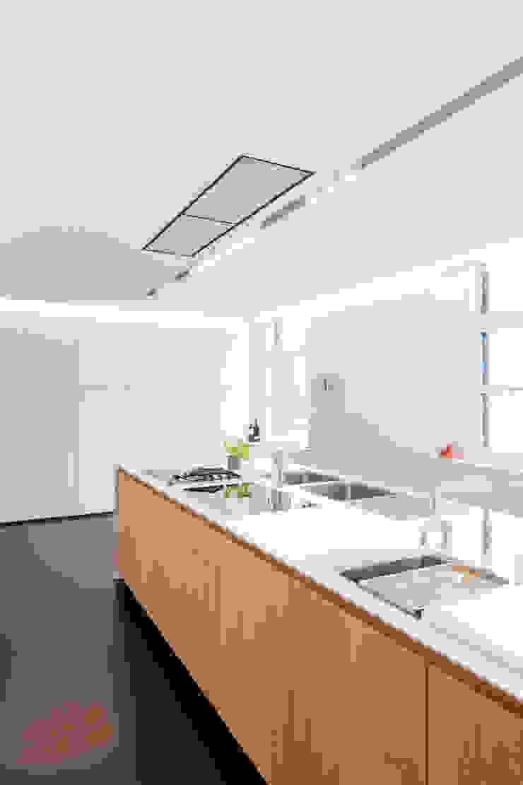 Flowers Moderne keukens van FilipTackdesignoffice Modern