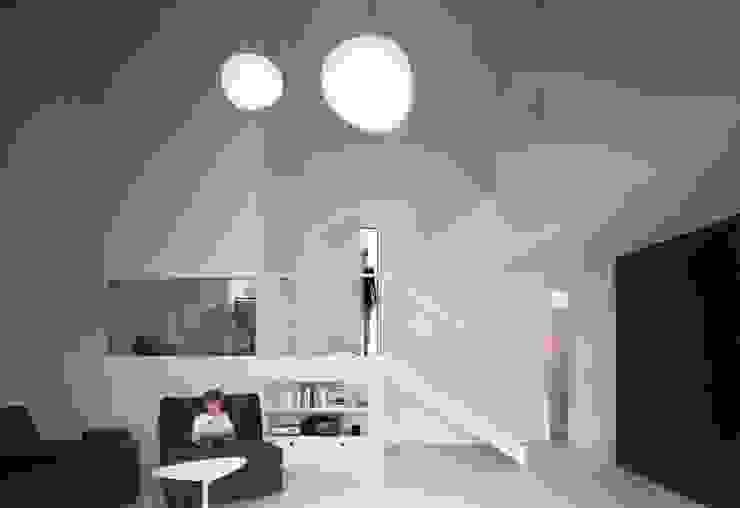 Casa de la violinista Casas de estilo minimalista de Kawneer España Minimalista