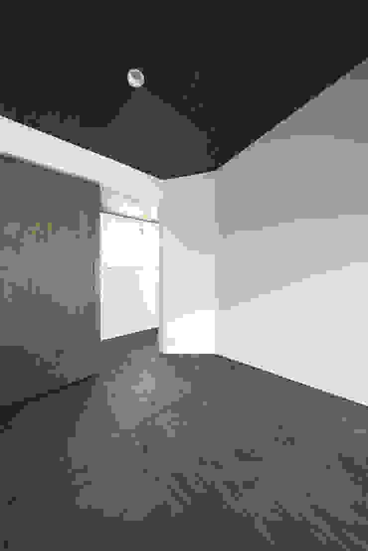 浅間町の家 オリジナルスタイルの 寝室 の 小野澤裕子建築設計事務所 オリジナル
