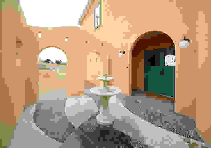 Rumah Gaya Mediteran Oleh homify Mediteran