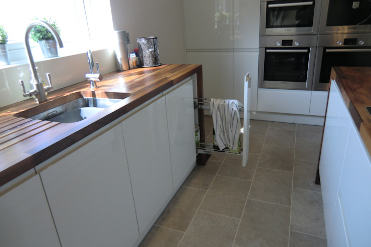 Pull out towel rail Harvey's Select KitchenStorage