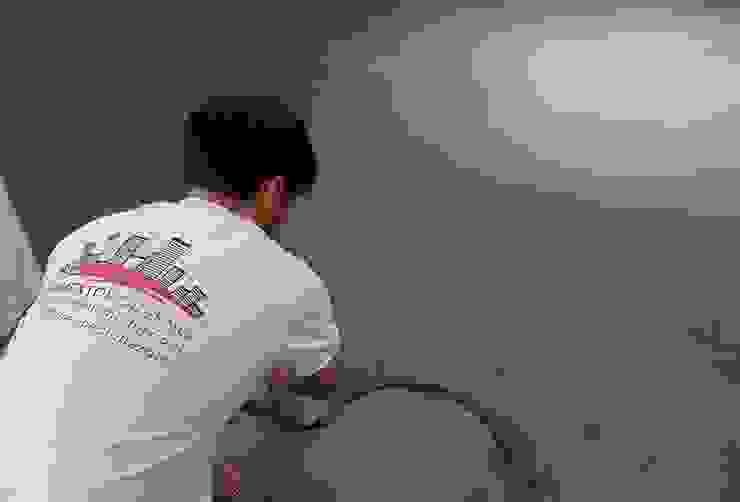 Realizzazione pavimenti in cemento spatolato artigianale di Pavimento Moderno Moderno