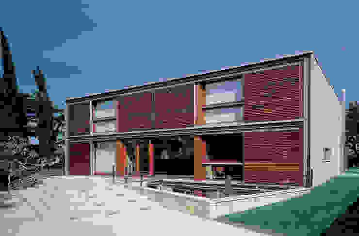 Fachada principal Casas modernas de Artigas Arquitectes Moderno