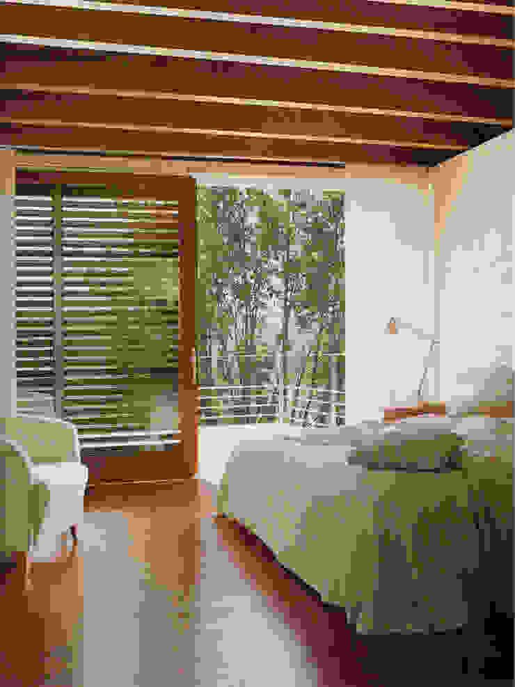Artigas Arquitectes Modern style bedroom