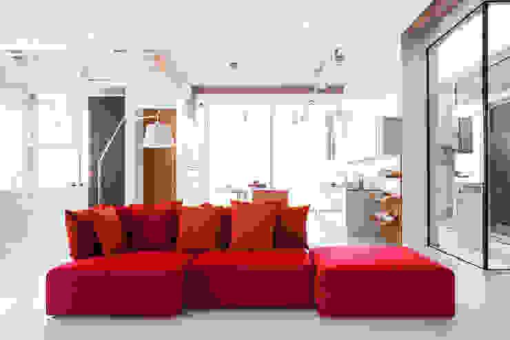 LE MONDE, design Leonardo Talarico, 2014 de NOTI Moderno