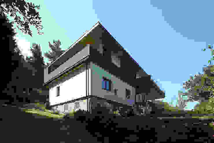 Sanierung und Erweiterung Wienerwaldhaus Minimalistische Häuser von wessely architektur Minimalistisch
