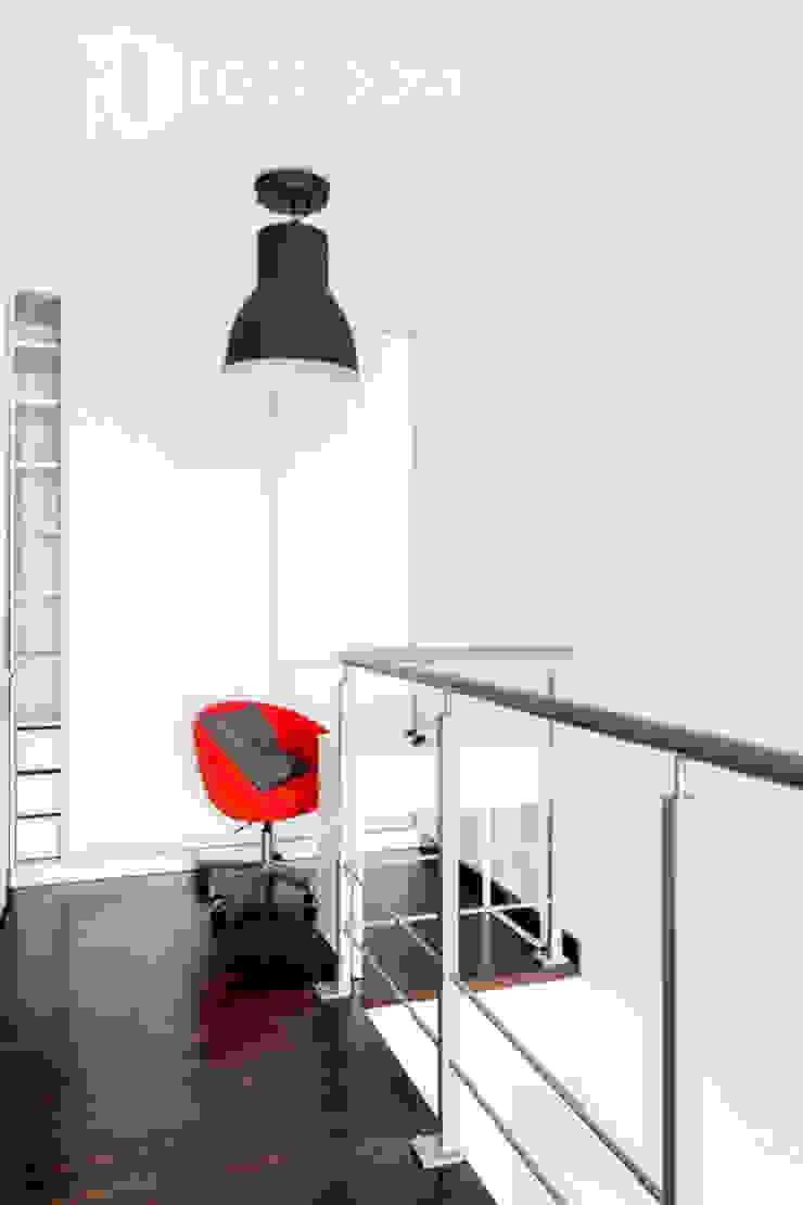 Pracownia Architektury Wnętrz Decoroom Ruang Studi/Kantor Gaya Industrial