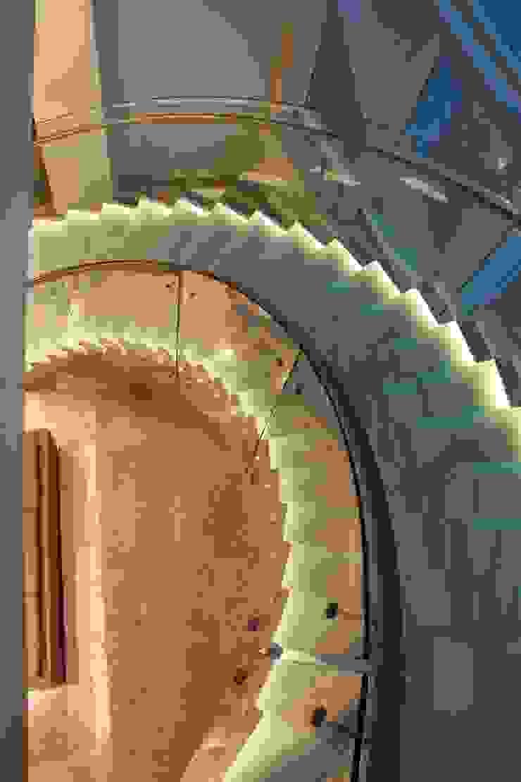 Visal Merdiven – Kemerburgaz Üniversitesi - İstanbul: modern tarz , Modern