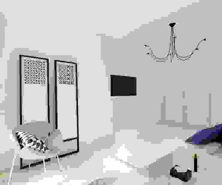 Fluffo Triada w projekcie by Art Studio Pracownia Architektury. Nowoczesna sypialnia od FLUFFO fabryka miękkich ścian Nowoczesny
