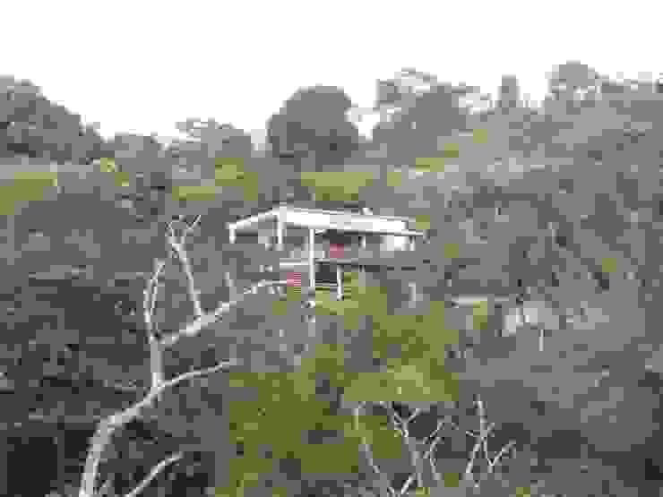 LAUTE house - from the lagoon Maisons tropicales par STUDY CASE sas d'Architecture Tropical