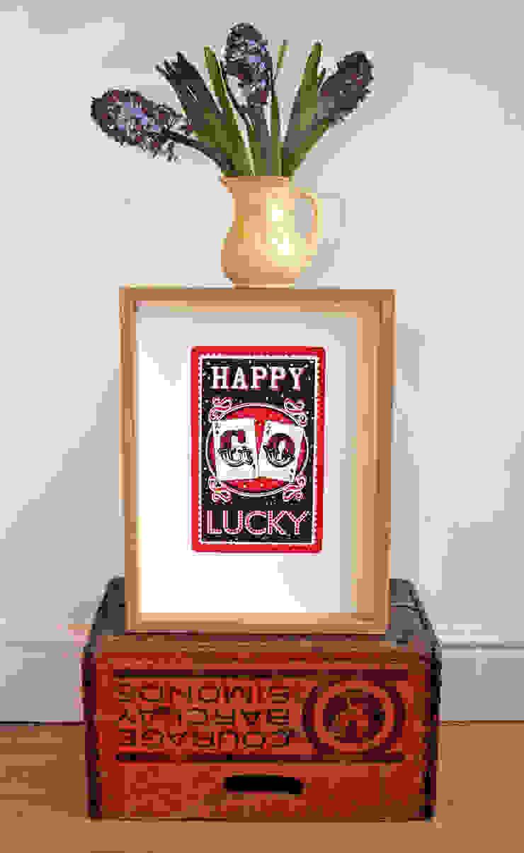 Happy Go Lucky Print: modern  by Mary Fellows, Modern
