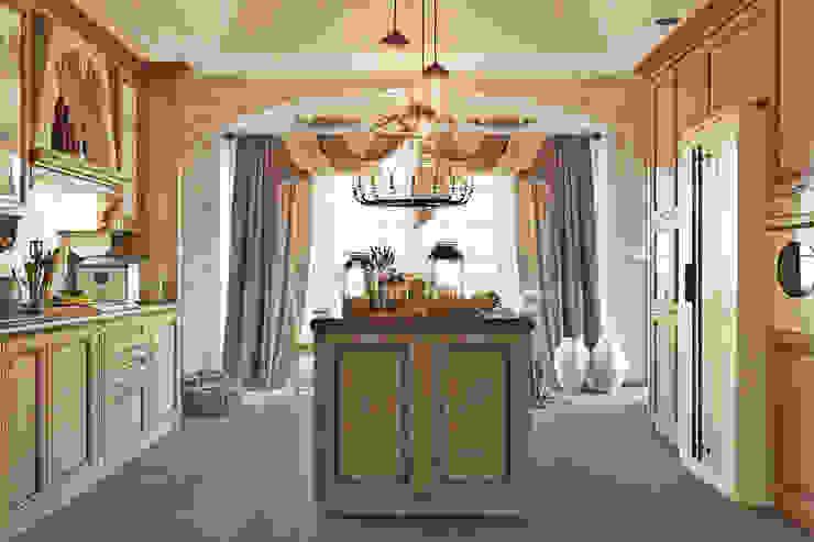 Традиционный интерьер для кухни столовой Кухня в колониальном стиле от Студия дизайна Interior Design IDEAS Колониальный