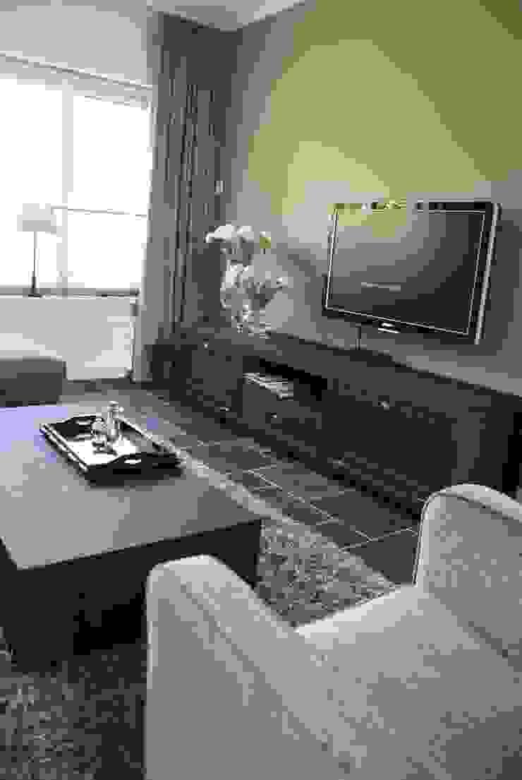 Nieuwe vloer en wanden aangebracht en nu hoe verder met onze bestaande meubelen? van Arkelwonen Arkelsol Rustiek & Brocante