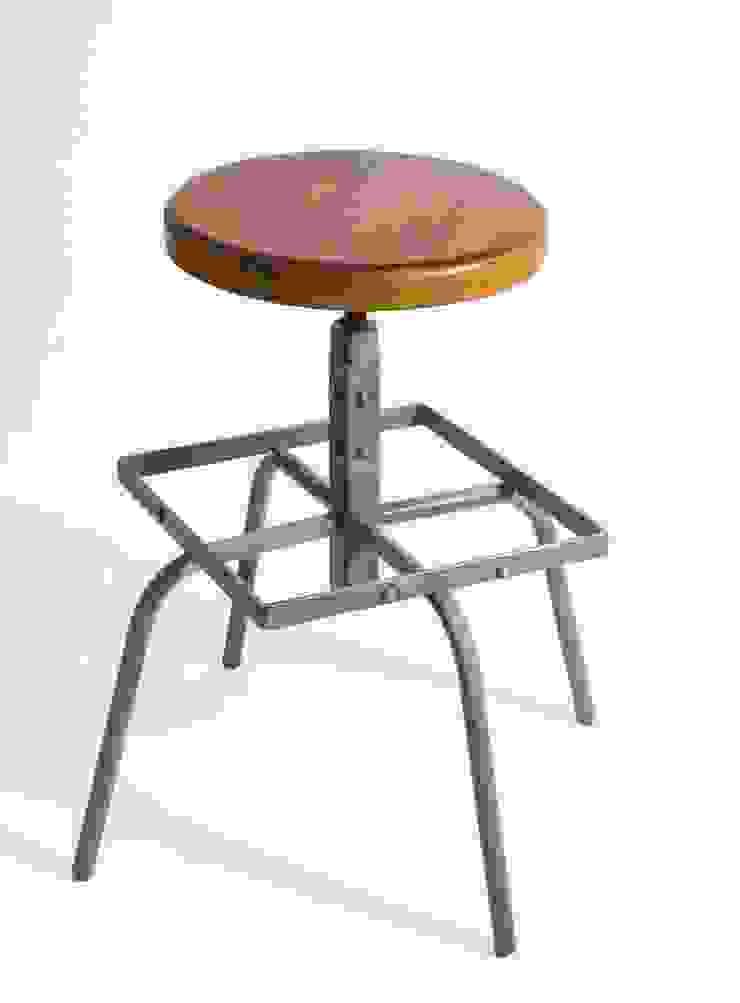 """Obrotowe krzesło barowe """"CUBE"""" - NordLoft od NordLoft - Industrial Design Industrialny"""