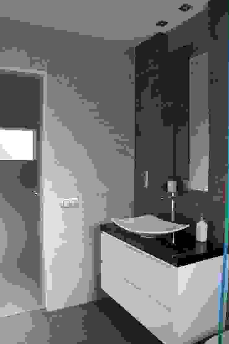 Alcazar Construcciones Modern bathroom